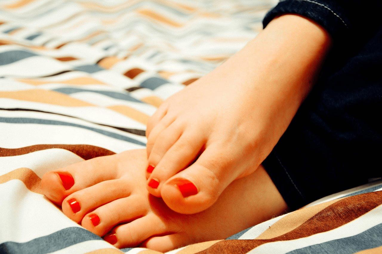 pinky toenail