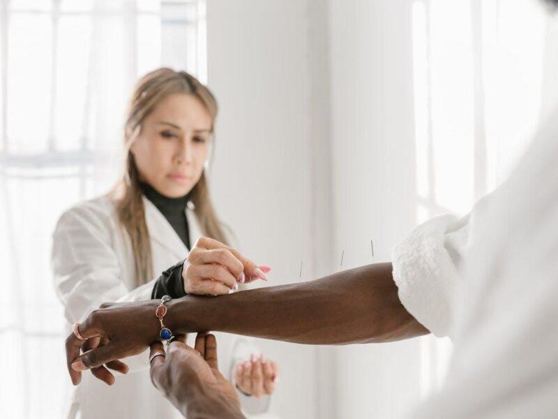How to Become a Holistic Health Coach