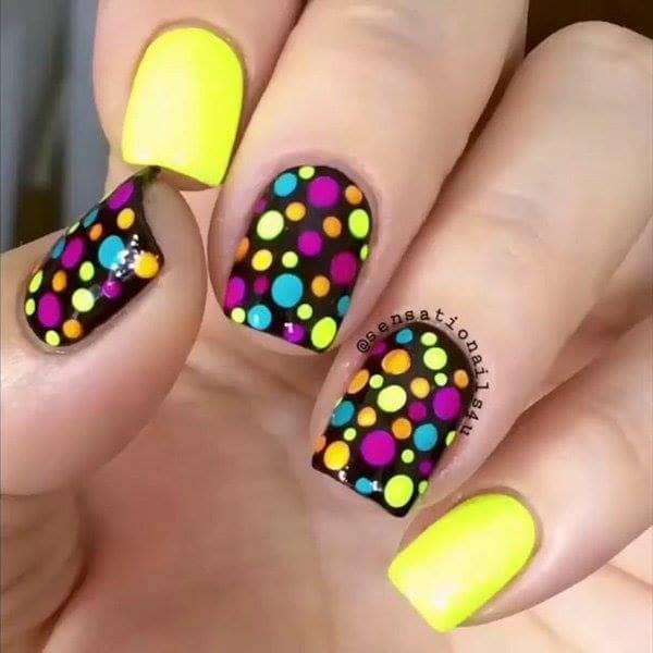 Elegant Neon Polka Dot Nail Art Look in Yellow and Black Mainly 1